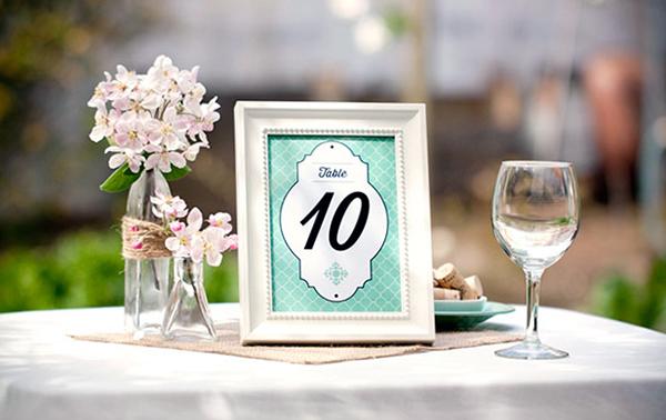 ramki-dlya-foto-svadba-kartochki-rassadki-gostey