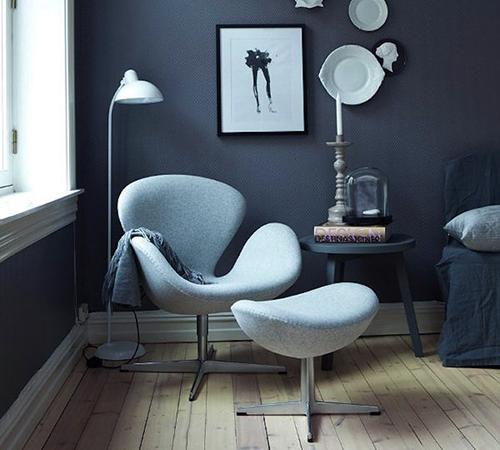 Кресло Арне Якобсона яйцо в домашнем интерьере