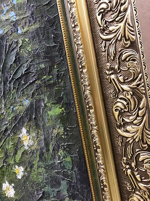 Крупногабаритная картина оформленная в классический багет